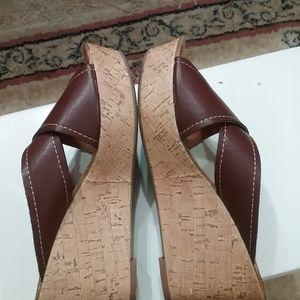 Sonoma cross sandals